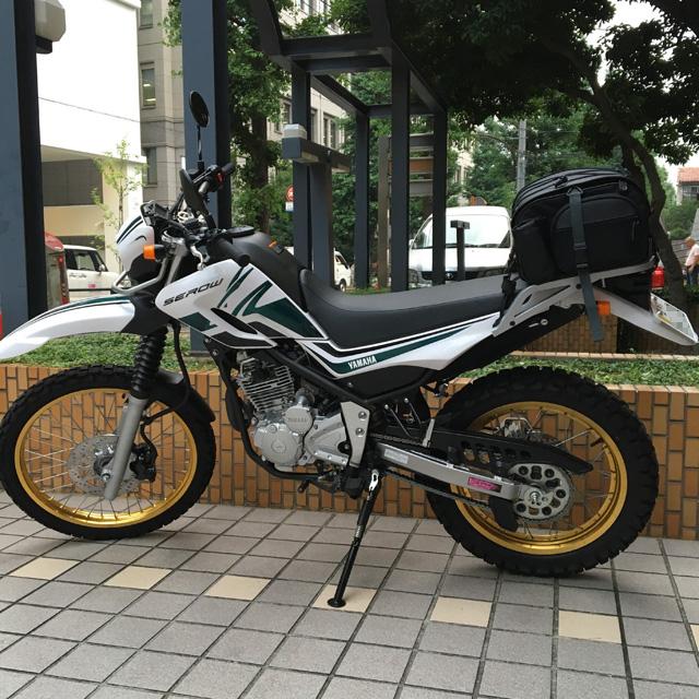 セロー250 TANAXミニフィールドシートバッグ装着